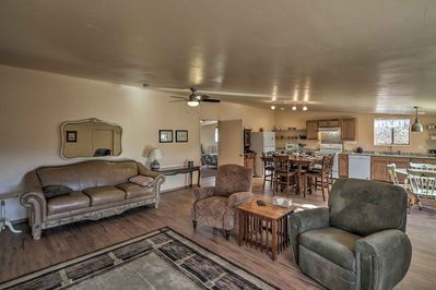 An array of comfortable furniture provides plenty of space for your group of 7!
