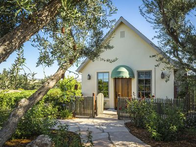 Photo for Grapestake Cottage with Vineyard Views
