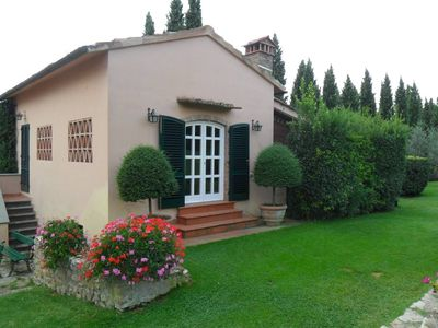 Photo for Charming Cottage in the Tuscany Countrise just 8 km from Florence City Centre
