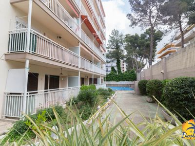 Photo for Nice flat with communal pool at 500mts. From the beach in Salou.