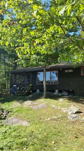 """Photo for """"Tall Pines"""" Cosy, waterfront cottage on Stoney Lake."""