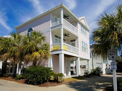 Carribbean Cove 543 - Luxury Myrtle Beach Home with a Pool, Short Walk to Downtown