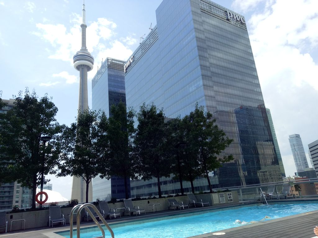 luxury condo down town toronto parking i homeaway. Black Bedroom Furniture Sets. Home Design Ideas