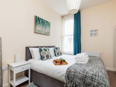 Photo for Short Stay Accommodation - Cavendish Portsmouth