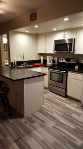 Newly Remodeled 1 Bd, 1.5 Bath Loft Condo Las Vegas Retreat