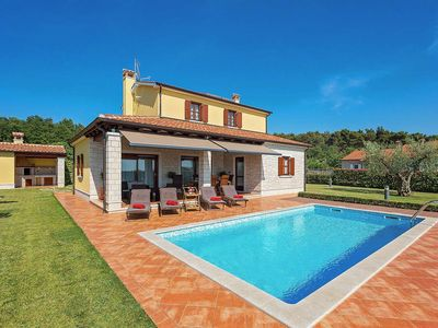 Photo for Holiday house Bencani for 6 persons with 3 bedrooms - Villa