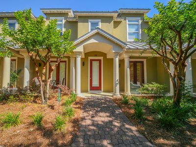 "Photo for ""Mojo Found"" 3 Bedroom/2.5 Bath, Sleeps 9! Gulf Place"