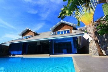 Photo for Pratumnak Dream Villa by Pattaya Sunny Rentals