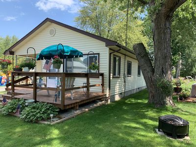 Cozy 2 Bedroom Cottage on Harsens Island With Dock And Water Access