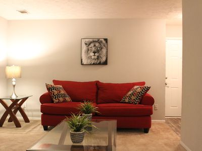 Photo for Cozy and Beautiful home 10 min from Airport