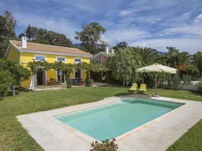 Photo for Villa in Pesada with private pool