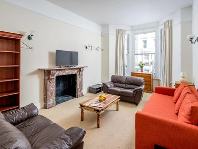 Photo for Lovely Chelsea 1 Bed apartment, sleeps 4
