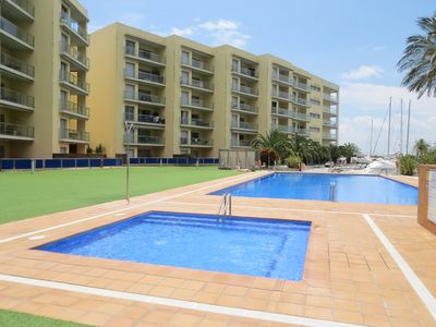 Photo for PGRAN. Apartment with nice views, private car space and community pool.