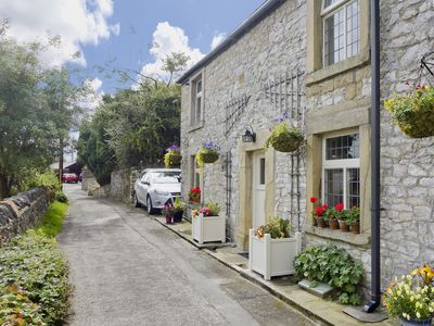 Photo for 4 bedroom accommodation in Tideswell near Bakewell