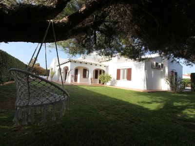 Photo for Beautiful villa with pool, direct access to the sea