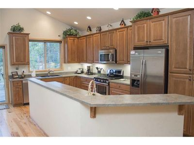 Photo for Beautiful single level home with large open kitchen. Free SHARC Passes.