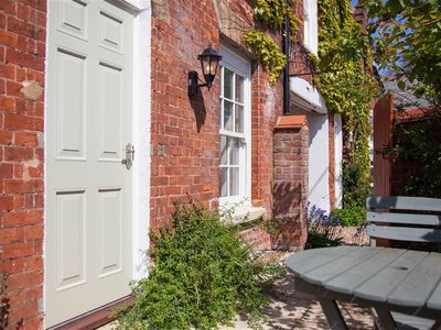 Photo for A traditional cottage situated in the 16th century village of Old Hunstanton.