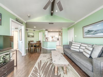 Photo for Partial Gulf view condo w/ a private balcony, shared pool, & hot tub - dogs OK!