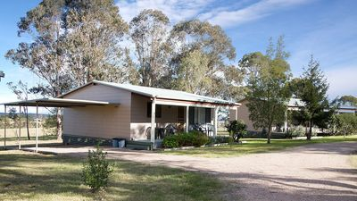 Individual cottage accommodation with carport and verandah