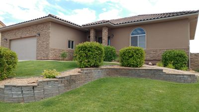 Photo for Spacious 5 BR Home Perfect for Family Groups minutes from Lake Powell