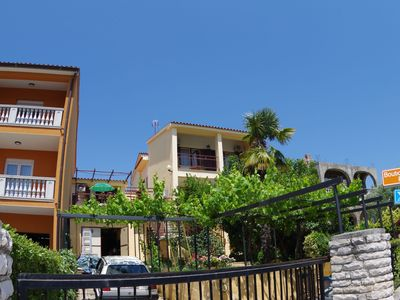 Photo for Comfortable apartment near the sea, the city center and a nature park