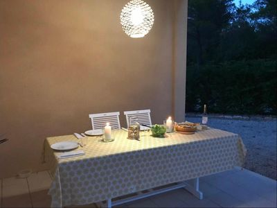 Photo for Provencal villa with pool and view