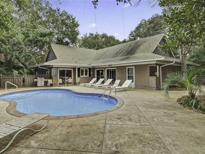 Photo for Abalone Alley 4: 4 BR / 3 BA home in Isle of Palms, Sleeps 9