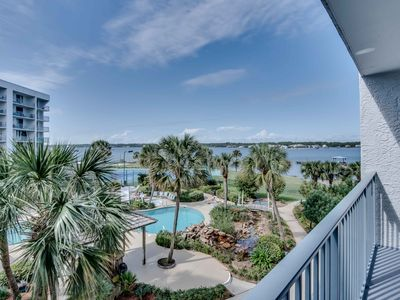 Photo for Spacious condo w/ shared pool & hot tub; tennis available on-site!