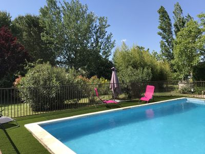 Photo for Spacious villa in green and quiet area with pool near Uzes and Nimes