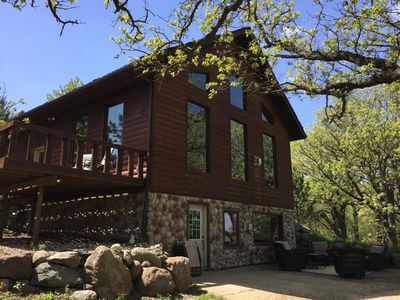 Secluded Lakefront Lodge In The Iowa Great Lakes Area