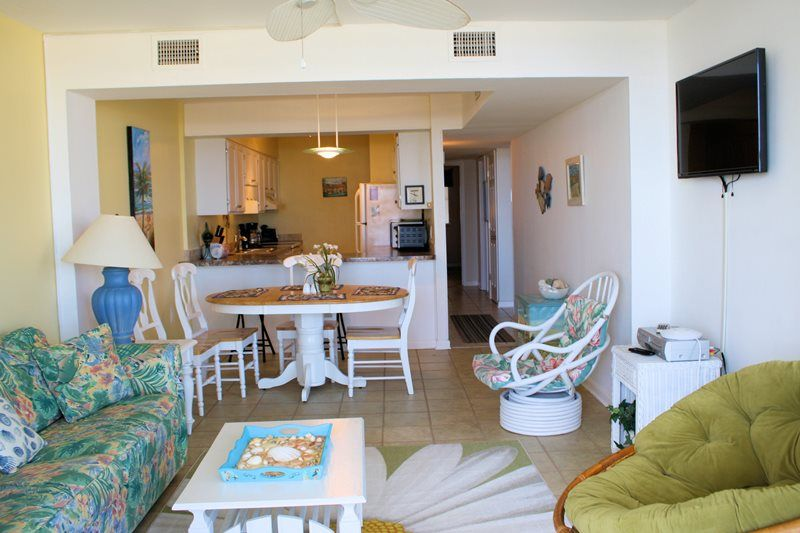 Oceanfront 2 Bedroom 2 Bath Condo Outdoor Pool Within Steps To The Ocean North Myrtle Beach