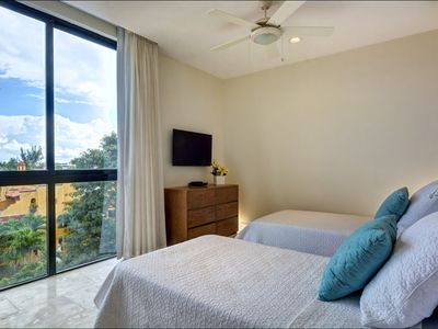 Photo for Modern 2BR condo, Balcony, Gym, Rooftop pool, Safe building, Free Wifi (407N)