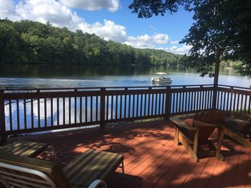 River Roost - Riverfront home 10 miles from Lake George