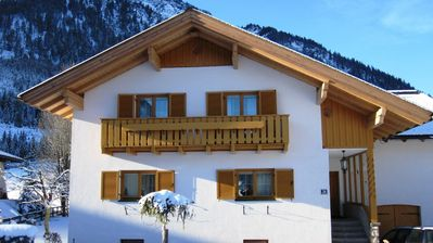 Photo for Adorable Holiday amidst the majestic Alps, near the ski lift