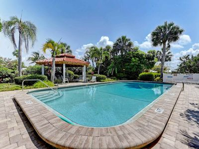 Photo for Inviting condo w/shared pool - easy beach access & dogs are welcome!