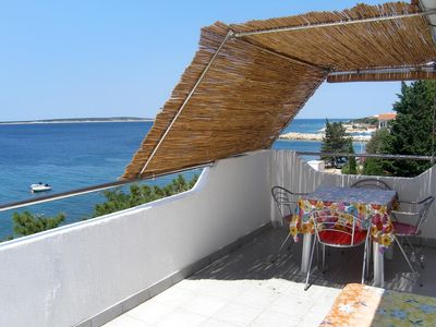 Photo for One bedroom apartment near beach Mandre (Pag)