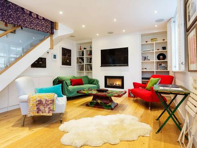 Photo for Artist's mews house, sleeping 8, located in exclusive Notting Hill (Veeve)