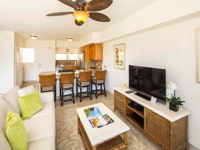 Toast the Sunset in Beachy Chic Suite w/Luxe Kitchen, Free WiFi–Waikiki Shore #1216
