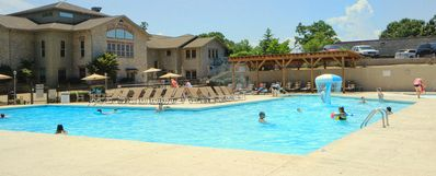 Photo for Branson Condo Rental   Pointe Royale   Golf   Indoor Pool   Taneycomo   Fishing (391112)