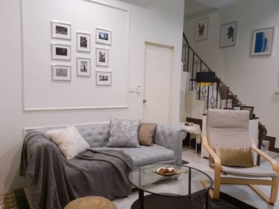 Photo for 4BR Stylish home, Close to BTS ONNUT200m, Dowtown
