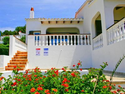 Photo for Family-friendly holiday home with sea view - Villa Est