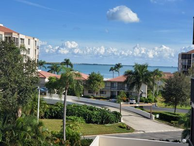 Photo for Welcome to the Island in the Sun;This gorgeous, updated 1 Bedroom/1.5 Bathroom Condo is located on t