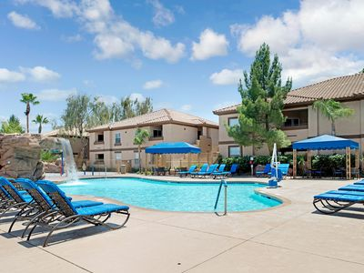 Photo for Family-Friendly Condo w / WiFi, Resort Pool, Spa & Gym - 10 Min. to Vegas Strip
