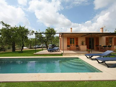 Photo for Cozy country house with pool, garden, air conditioning and WIFI