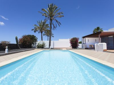 Photo for Villa Roma only 950m from the beach, with huge heated pool and free Wi-Fi
