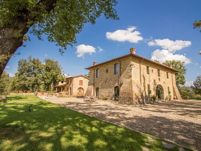 Photo for Beautiful 9 Bedroom Villa near Arezzo
