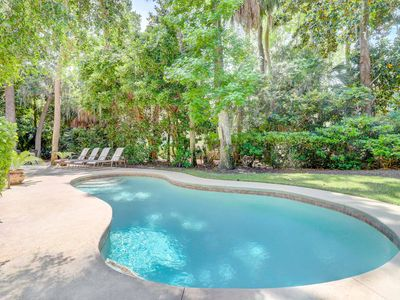 Photo for Beautifully updated, impeccably furnished private home. Close to beach!