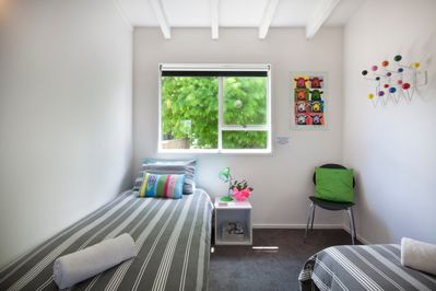 10 Above Twin Room