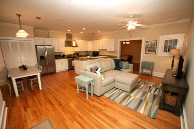 Large kitchen with family room and dining nook with TV,wifi.