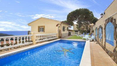 Photo for House with beautiful sea views in quiet area, with garden and private pool
